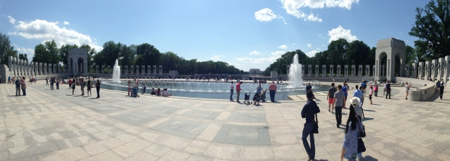 A panoramic of the WWII Memorial in Washington, DC.